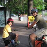 Thousands of cyclists buzz into work, boosted by sugar and caffeine (slide show) (Video)