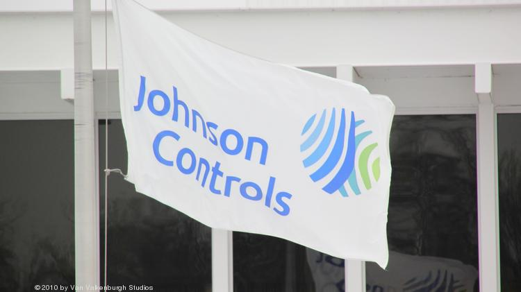 Johnson Controls lays off two high-ranking communication