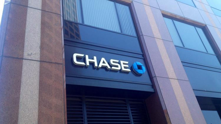 JPMorgan Chase to close operating units in Houston