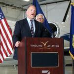 FBI offers new reward to crack down on airplane laser strikes