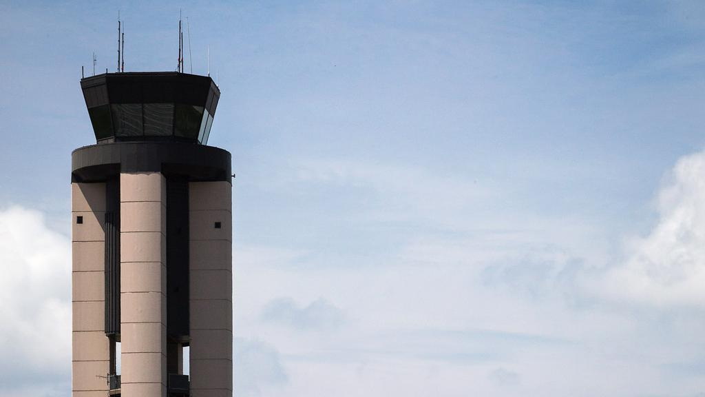 Rdu is 10th worst airport for summer delays triangle business journal publicscrutiny Images