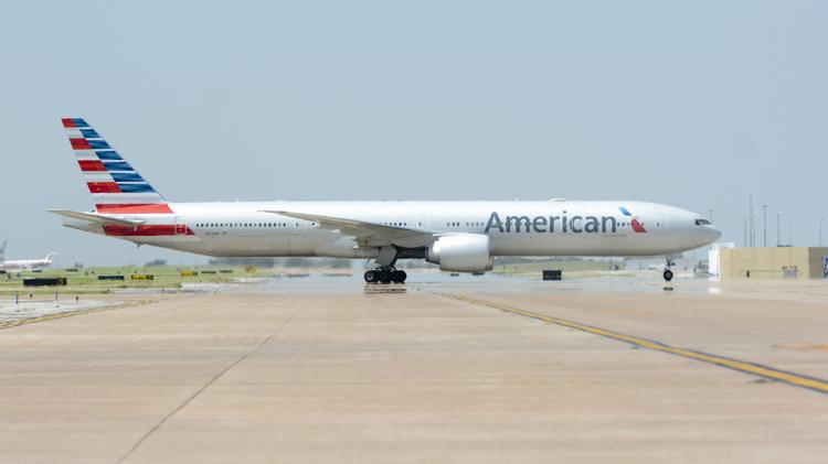 American Airlines Dropping Most NFL Team Charter Flights But Wont Boot The