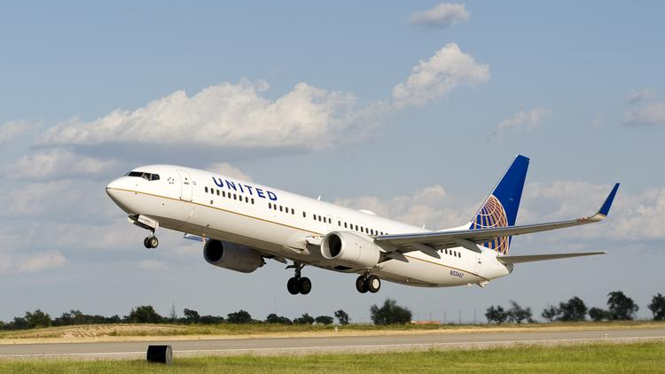 united airlines 39 new system for lost carry ons performing