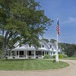 For Obama, a mix of golf, fundraising and statecraft on the Vineyard (BBJ slide show)