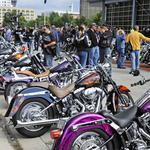 Harley-<strong>Davidson</strong> to unveil 2015 models, re-introduce Road Glide at custom bike show
