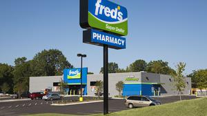 Fred's gets blessing from its biggest shareholder
