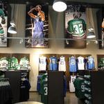 Dallas Mavericks, Stars deepen their fan merchandise bench