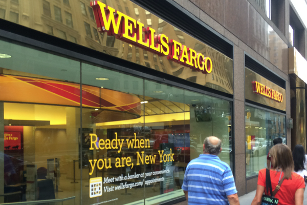 Wells Fargo apologizes for accidentally foreclosing on 400