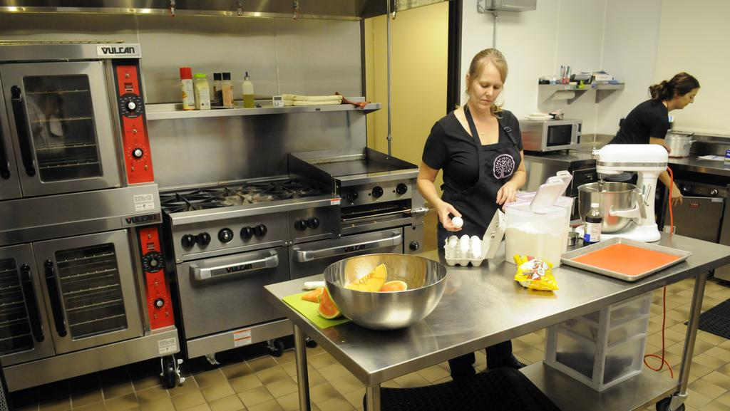 Eating Recovery Center expands, adds commercial-grade kitchen ...