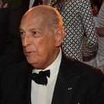 Up to Speed: Fashion designer de la Renta dies at 82