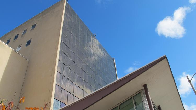 Milwaukee Public Museum Dedicates Solar Panel Wall