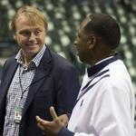 Bucks co-owner Wes Edens acquires daily newspaper in Milwaukee — but not that one