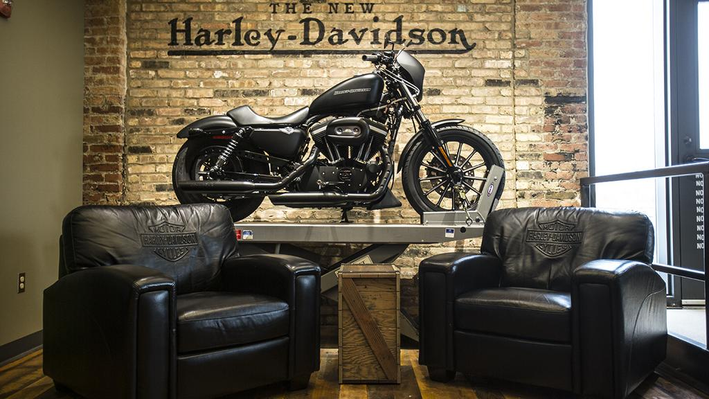 harley davidson corporate office. Milwaukee\u0027s Coolest Offices: Motorcycles, Memorabilia Highlight Harley- Davidson\u0027s HQ: Slideshow - Milwaukee Business Journal Harley Davidson Corporate Office E