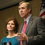 Oregon's senators want corporations to disclose political gifts