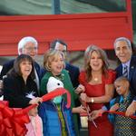 Hillary Clinton helps dedicate new St. Jude facility to <strong>Marlo</strong> <strong>Thomas</strong> (Video)