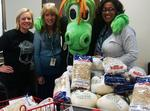 Hornets, Knights help Charlotte families with Thanksgiving dinner (PHOTOS)