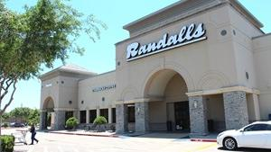 Austin suburb lands new retail center anchored by grocery store