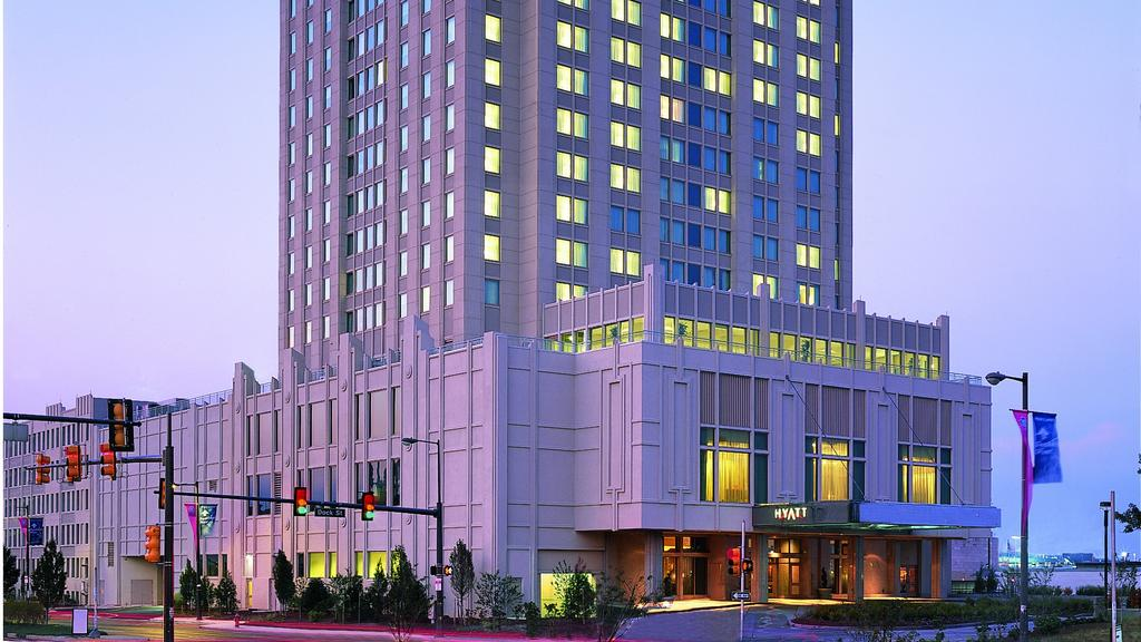 Hyatt Regency At Penn S Landing To Hilton Renovations Soon Philadelphia Business Journal