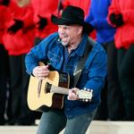 Garth Brooks set to be first concert at Mercedes-Benz Stadium in Atlanta (Video)