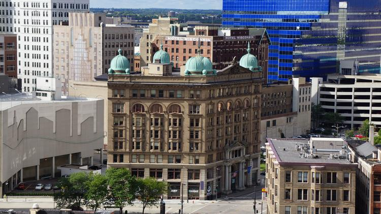 Milwaukee Downtown Apartment Rents Rise In Face Of Surge