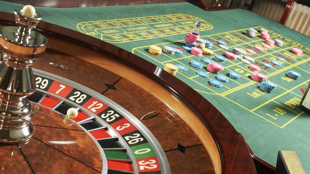 Casino rotating dealers free no deposit casino games usa