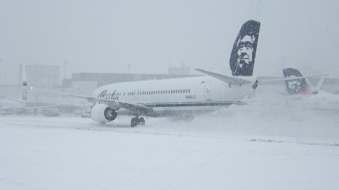 Alaska Airlines launches review after winter storm delays in Seattle and Portland