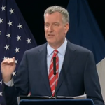 <strong>de</strong> <strong>Blasio</strong> calls for businesses to voluntarily raise wages