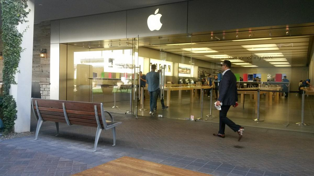 biltmore fashion park apple store set to close as new one opens in