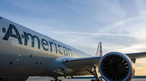American Airlines to give its pilots, flight attendants raises
