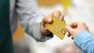 Fed rate hikes could add to Miami's growing credit card debt