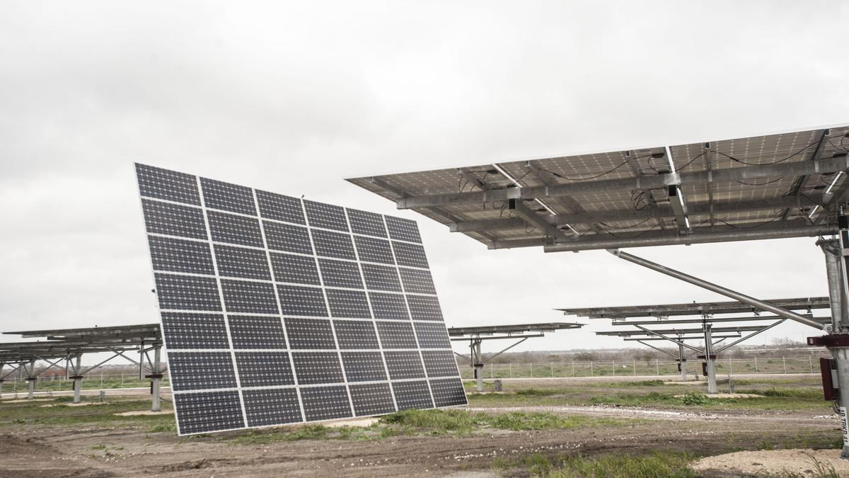 CPS Energy approves 'green tariff' supporting new solar, wind farms - San Antonio Business Journal