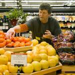 New Seasons announces 20% pay bump, joins fight to raise Oregon minimum wage