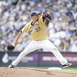 Milwaukee Brewers change time for last home game to avoid Packers conflict