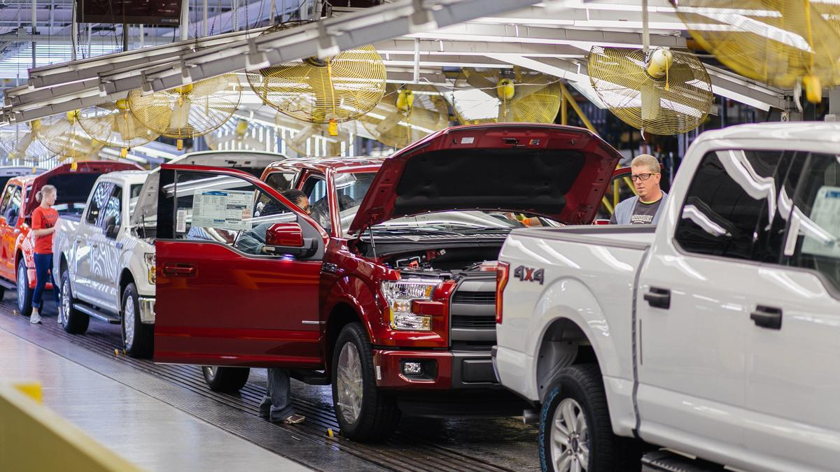 Ford Expects Kc Plant To Be Making F 150s Again By Friday