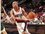 Blazers legend Brandon Roy recovering after being shot