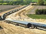 Kinder Morgan establishes credit to fund Canadian pipeline expansion