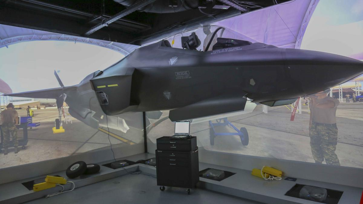 marketing plan for lockheed martin Lockheed martin corp, bethesda, md, will freeze its defined benefit pension plan in early 2016 and start shifting active salaried workers to an enhanced defined contribution program, the company.