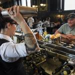 Bill to allow later bar-closing hours gets shut down by Colorado Senate