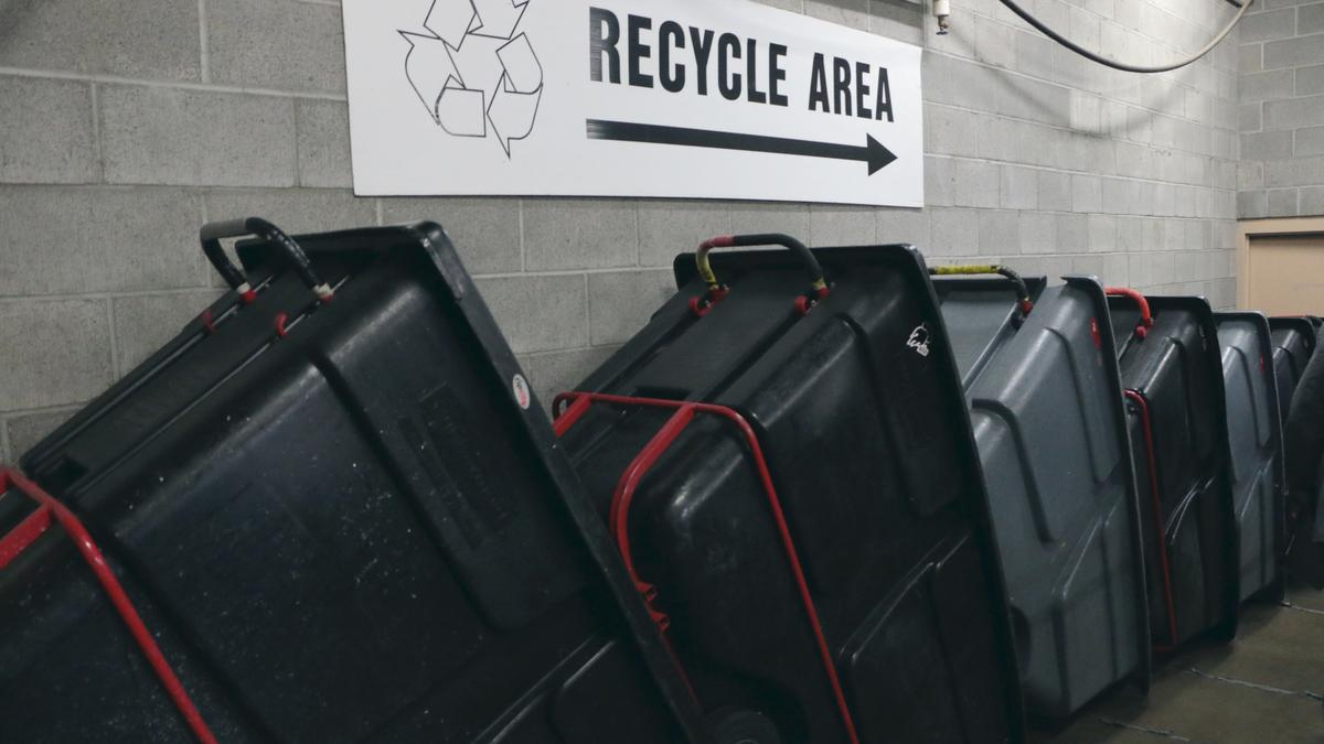 Amid China ban turmoil, Oregonians told to keep recycling paper and ...