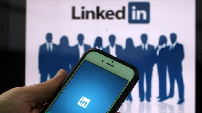 The easy (and insanely effective) way to connect with customers on LinkedIn