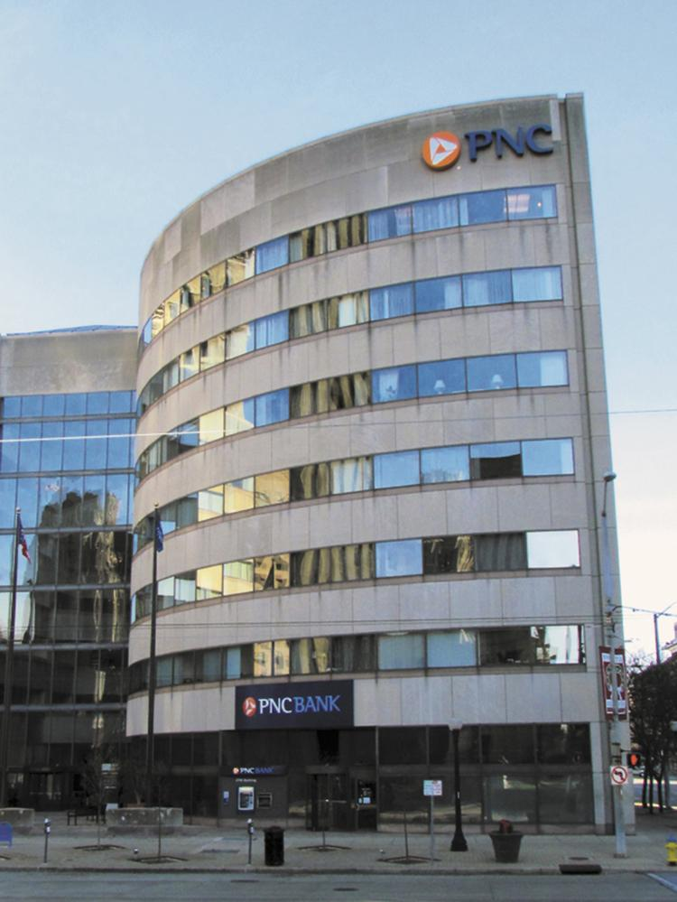Downtown Dayton Pnc Building Sells For 1 1 Million Dayton