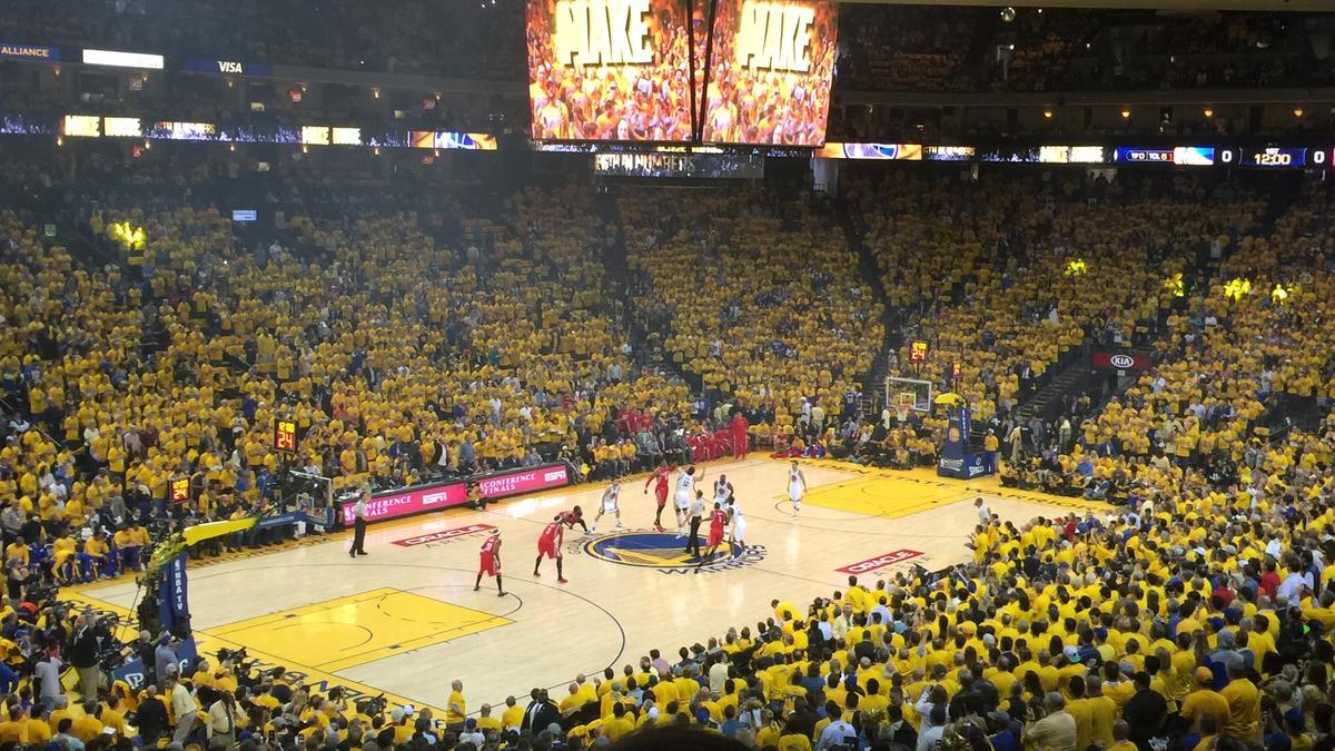Strength in numbers: How the Golden State Warriors score a logistics victory with 22,000 shirts ...