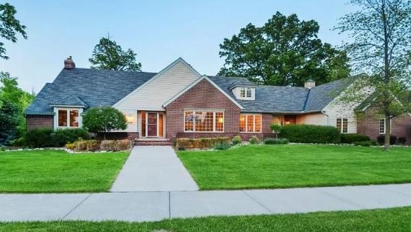 Photo: house/residence of the calm 6 million earning Dellwood, Minnesota-resident