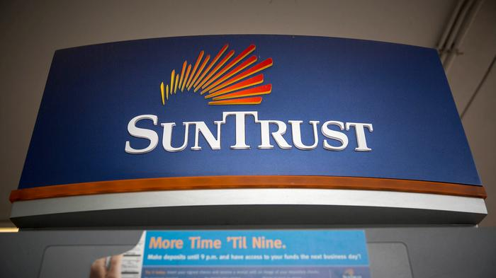 SunTrust reveals former employee may have stolen info on 1.5 million clients