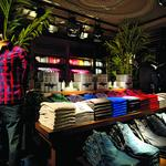 Abercrombie & Fitch posts $63M 1Q loss