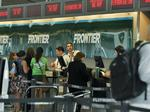 Frontier Airlines improves on-time, complaint rates