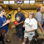 Milwaukee Brewers hit bowling lanes to raise money for Sojourner: Slideshow