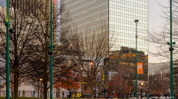 Logistics giant C.H. Robinson to add 200 jobs in Atlanta, consolidate in downtown's Centennial Tower