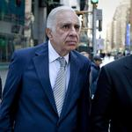 <strong>Carl</strong> <strong>Icahn</strong> jumps aboard Lyft with $100M investment
