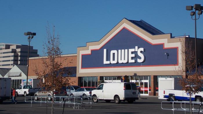 Lowe's picks retail veteran for its next CEO, splits chairman role